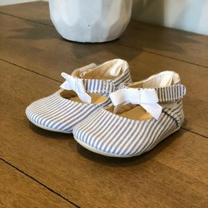 Gymboree Girls Size 2 Striped shoe